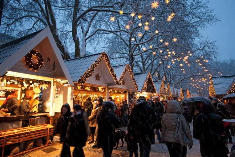 Ben Je In December In Italie Dit Zijn 6 Sfeervolle Kerstmarkten