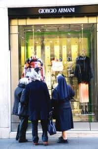 e5b085bf086b93 Dit zijn de 7 beroemdste winkelstraten van modeland Italië
